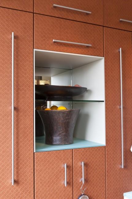 Keuken met leer beklede deurtjes (nis)